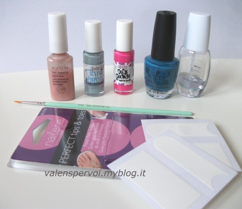 catwalk,trends,fashion trend,latest trend,tendenze,tendenza moda,color block,colorblocking,manicure,color block nails,how to,come fare per,opi,eyeko,rain polish,punk polish,suzy says feng shui opi,nailene,nailene perfect tips and toes,avon,pearl shine,color blockcatwalk