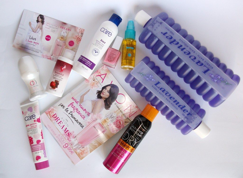 avon campagna 4, Avon, Avon Italia, cura della pelle, Avon Care, Biubble Bath lavanda, Avon Dreams profumo, Avon shampoo secco, Avon Advance Techniques, olio d'Argan