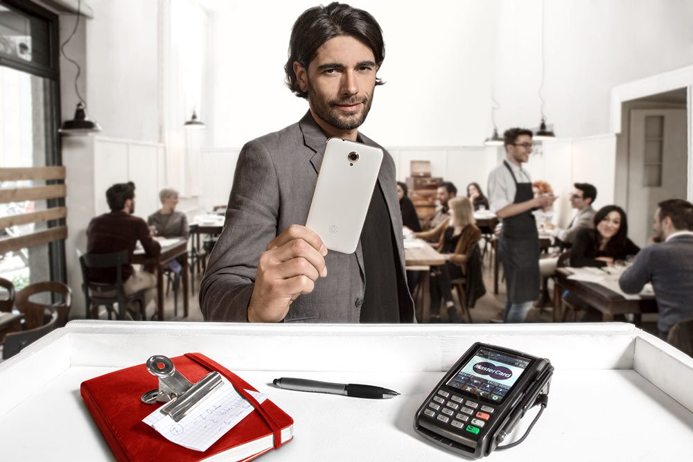 VodafonePay-app-#easylife-shopping-contactless-smartphone-acquistisicuri