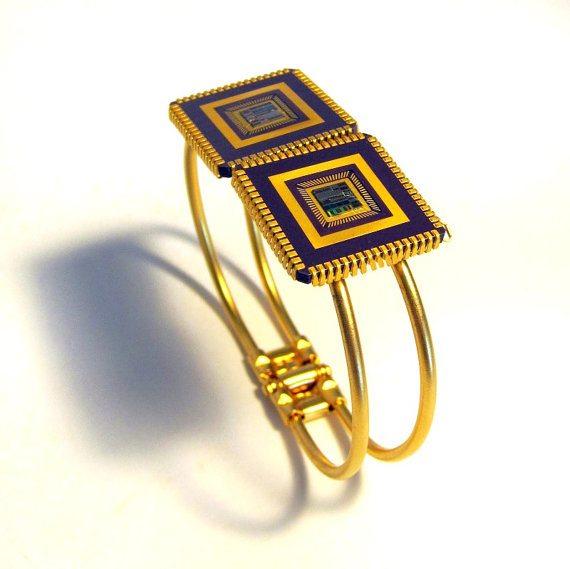 Urban-Raven-Shiran-Tal-recycled-computer-chip-cuff-bracelet