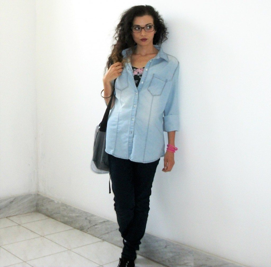 Back to shool, back to university: look semplice e casual per il rientro a scuola e all'università. Valentina Chirico