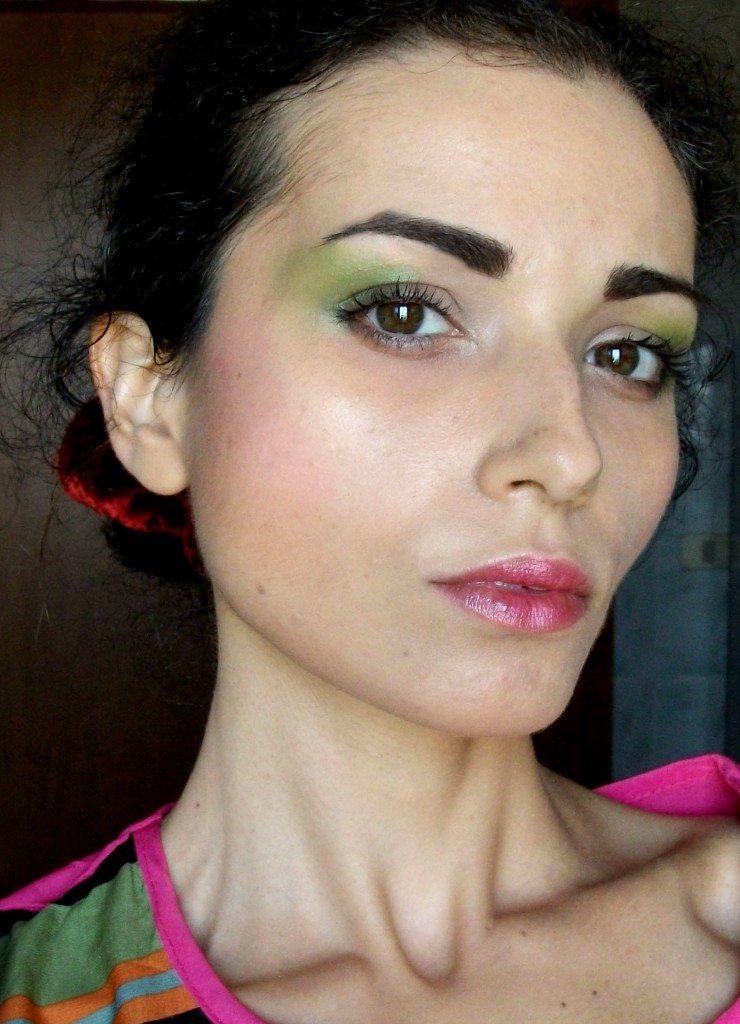 Make-up anni '80, il look da signora perfetto per Halloween- capelli raccolti Valentina-Chirico-face