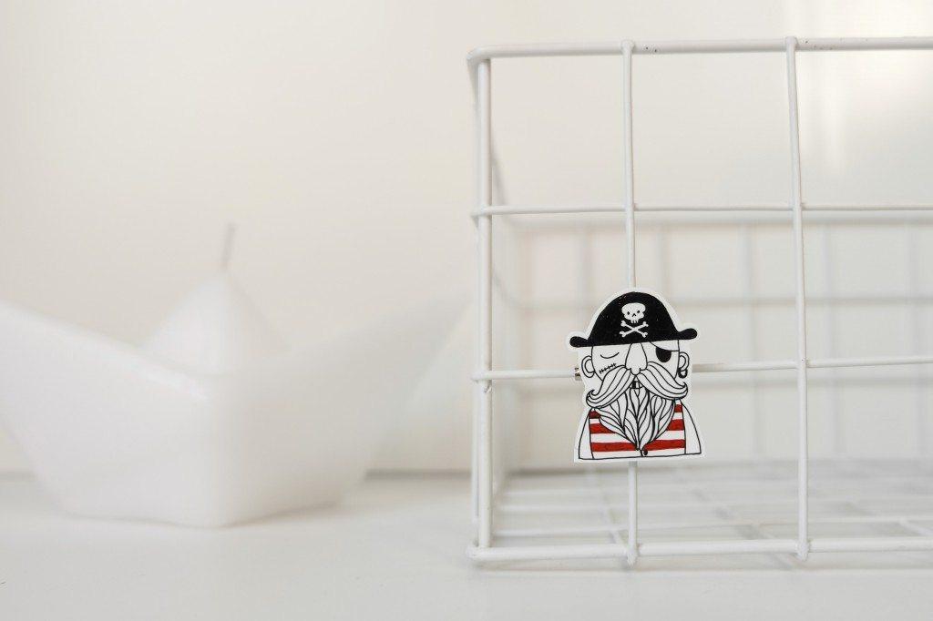 spilla-polyshrin-fatto-a-mano-KAMIDO-handmade-polyshrink-pirate-brooch-_mini