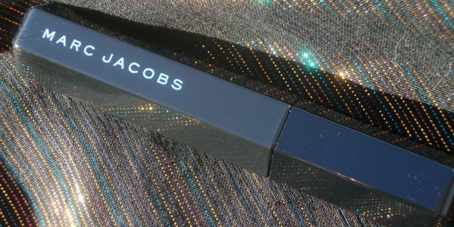 Marc-Jacobs-Velvet-Noir-Major-Volume-Mascara-Volume-Straordinario