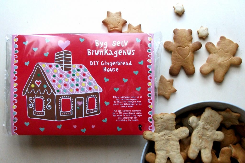 flyingtiger-gingerbread-house-christmas-cookies-creativity