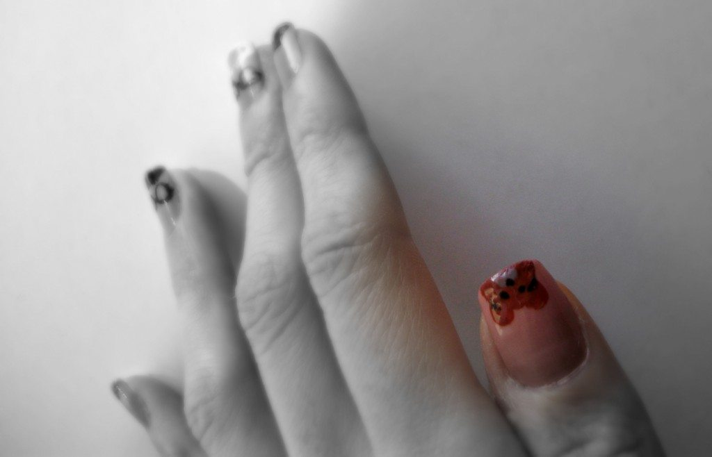 Gordon-Childe-s-teddy-bear-orsacchiotto-archaeo-nails-archaeologists-moustaches-nail-art-manicure-Valentina-Chirico-