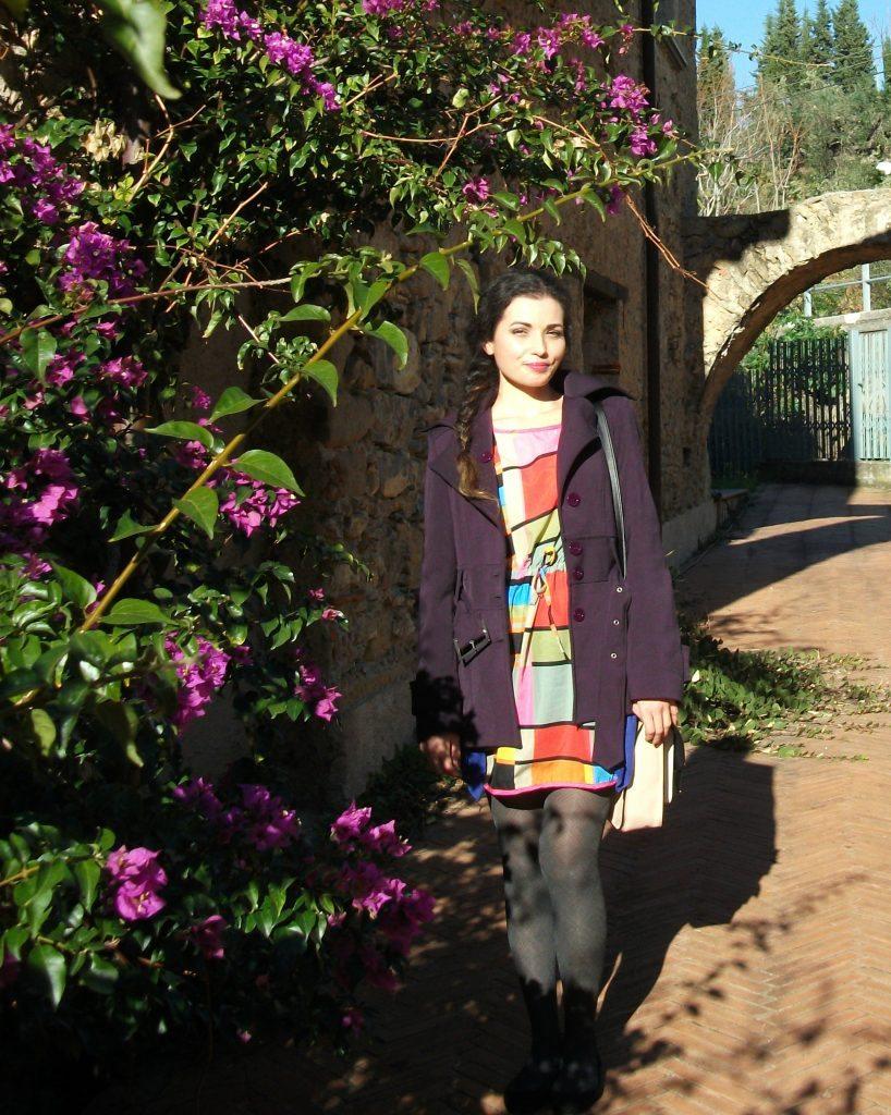 Outfit elegante e colorato al Palazzo Alario