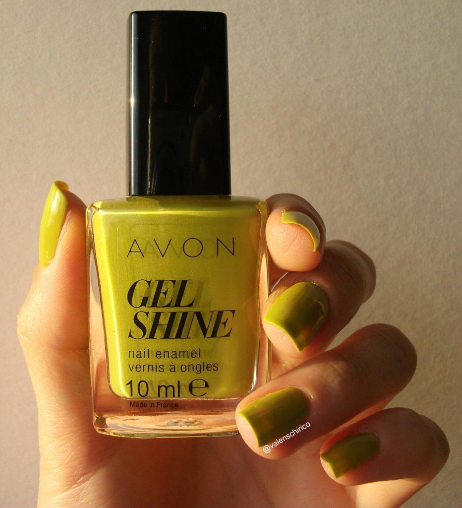 Avon-Gel-Shine-smalto-effetto-gel-citronized-verde-acido-review a cura di Valentina-Chirico