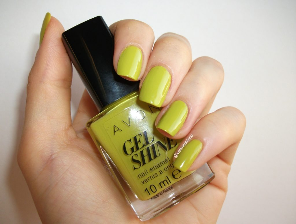 Avon-Gel-Shine-smalto-effetto-gel-citronized-swatch-review a cura di Valentina-Chirico