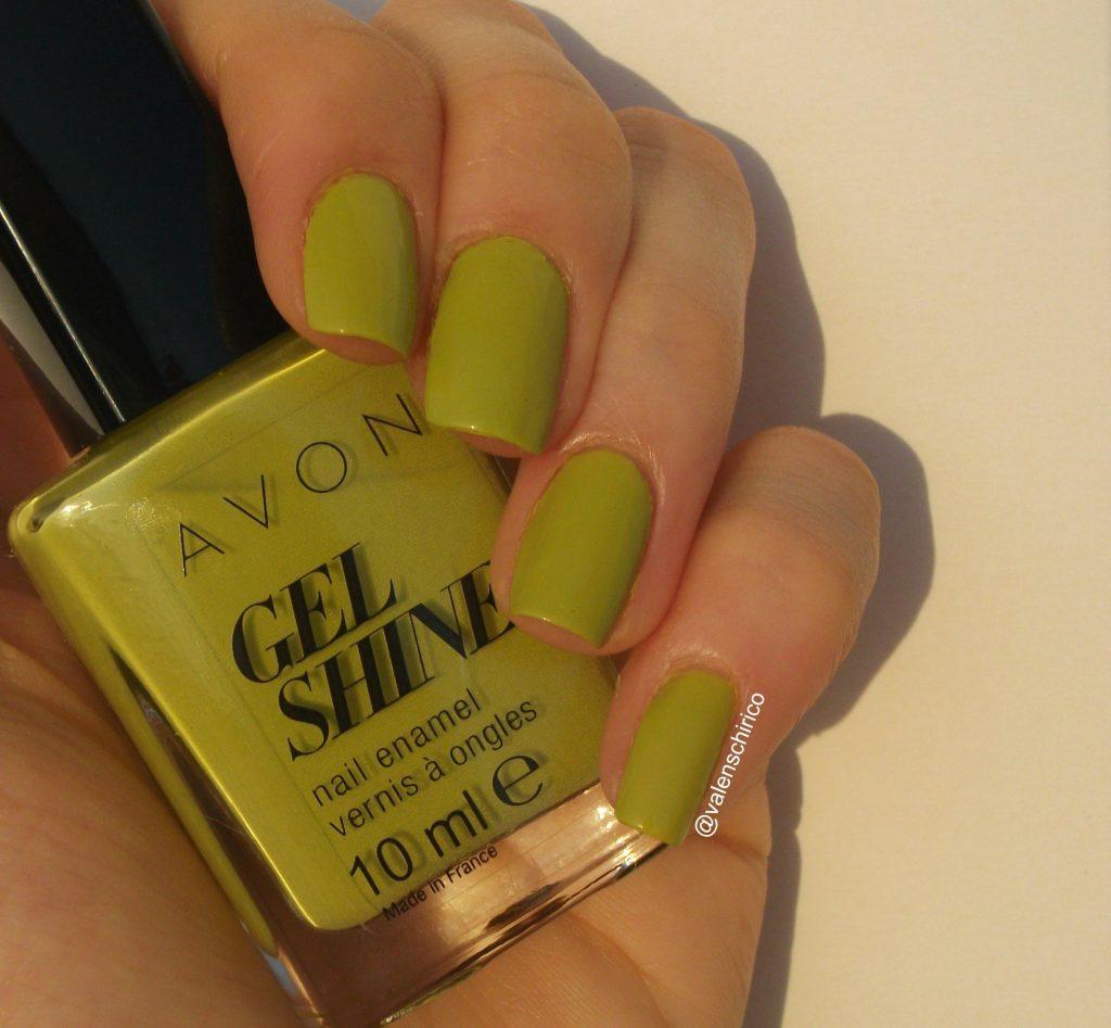 Avon-Gel-Shine-smalto-effetto-gel-citronised-swatch-review- a cura di Valentina-Chirico
