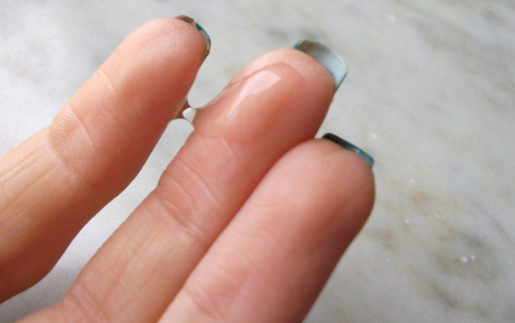 Essenza viso alla bava di lumaca CORSX Advanced Snail 96 Mucin Power Essence. Texture gel