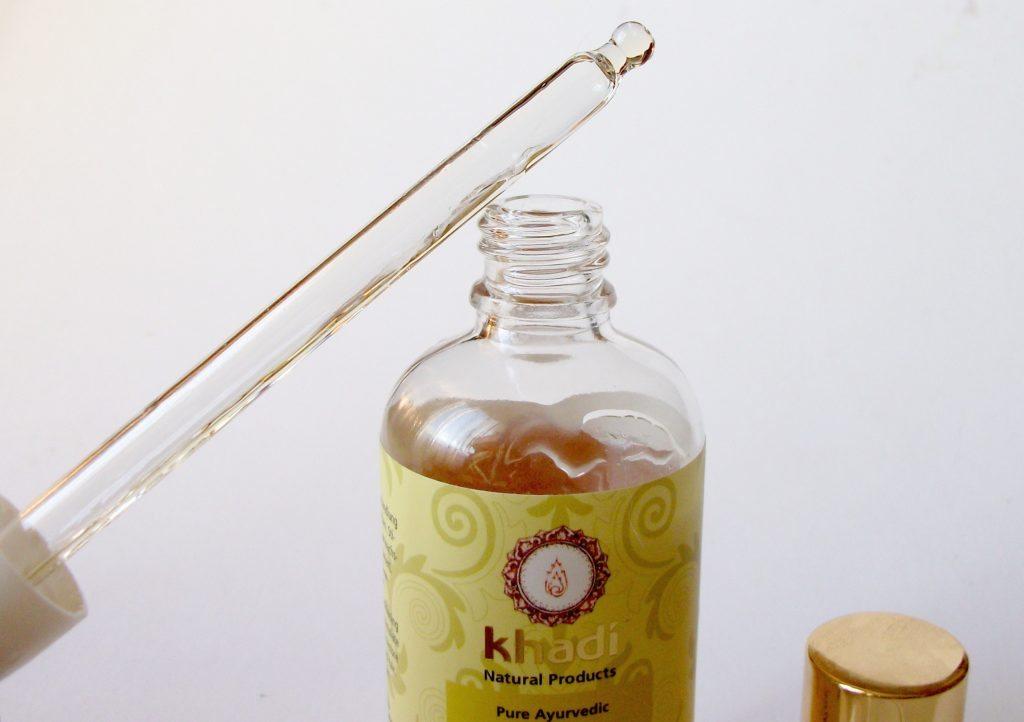 Khadì-vitalising-hair-oil-olio-rivitalizzante-capelli-ayurvedico-naturale-review-dettaglio-applicatore
