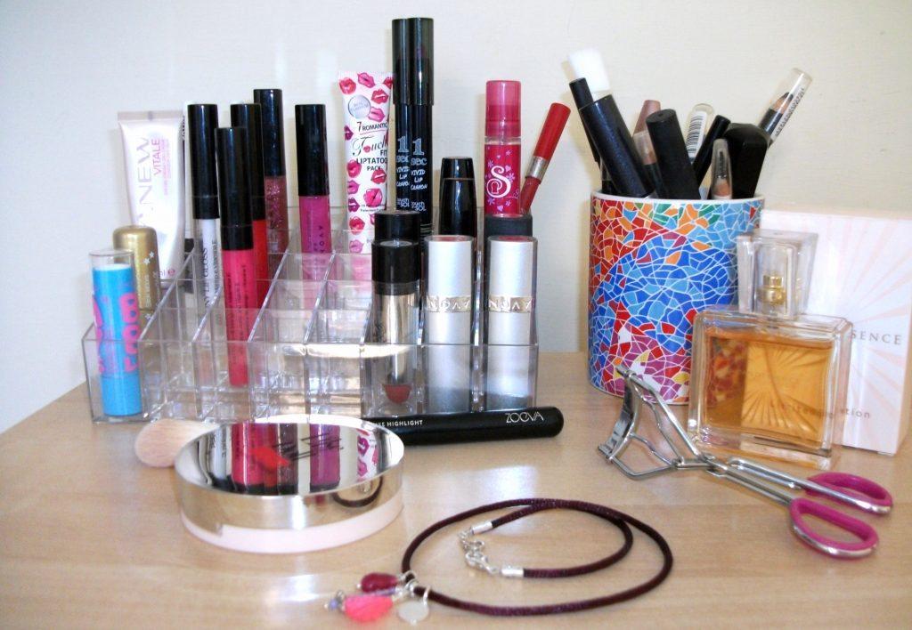 Ecco il perfetto organizer - display per il make-up. Dove trovarlo online?