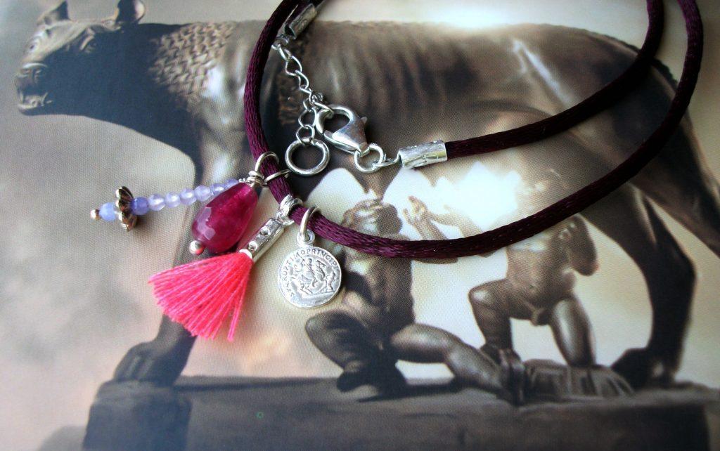 Trasparent-Sculptural-Jewelry-Ancient-Roman-Marsala-handmade-chocker-indie-designers-Marta-Roura-Castellò