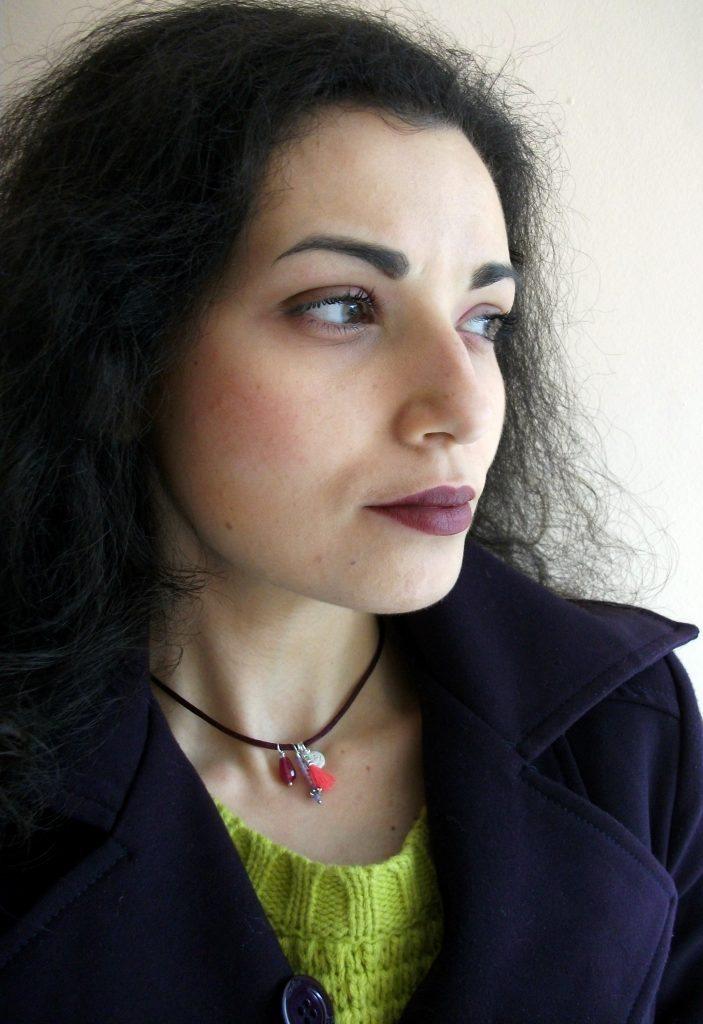 Valentina-Chirico-Marta-Roura-Castellò-s-handmade-Transparent-Sculptural-Jewelry-choker