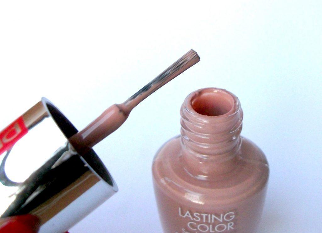 Pupa Lasting Color Smalto Brillante 223 Pale Pink. Packaging e pennello applicatore