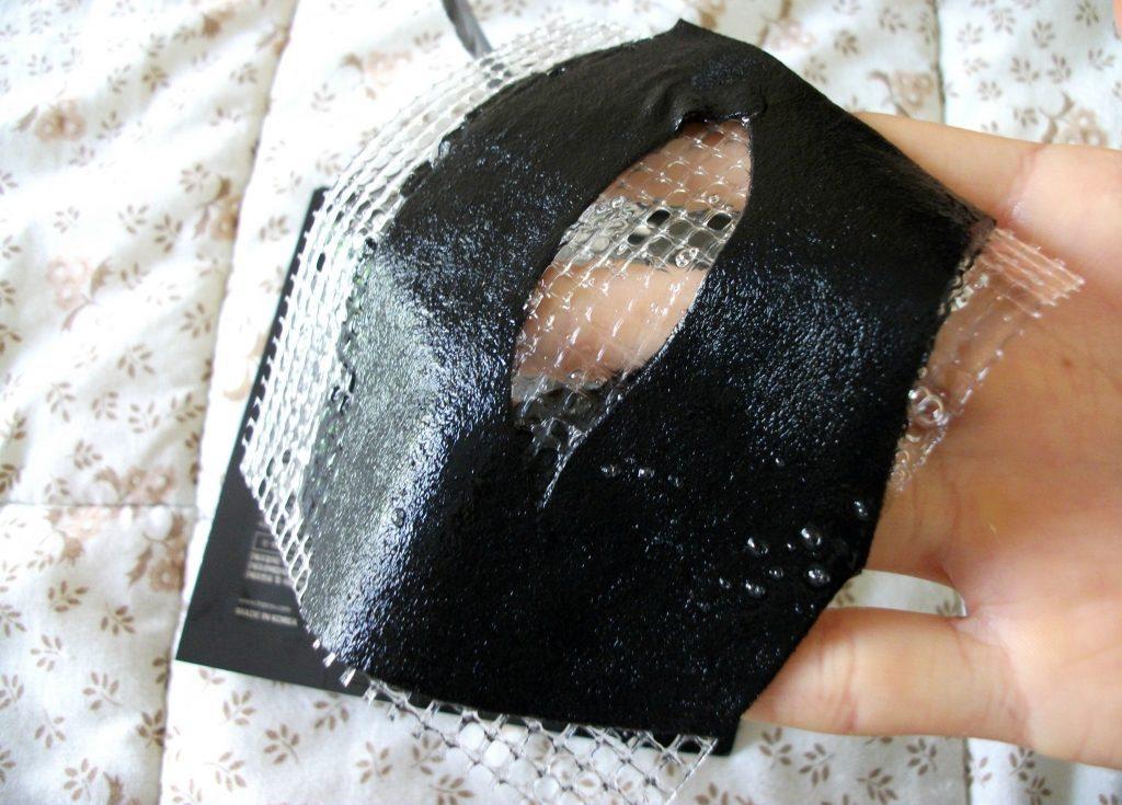 Mediheal - Black Eye Anti-wrinkle Mask, maschera in tessuto anti-età con collagene e acido ialuronico. Dettaglio della maschera e review