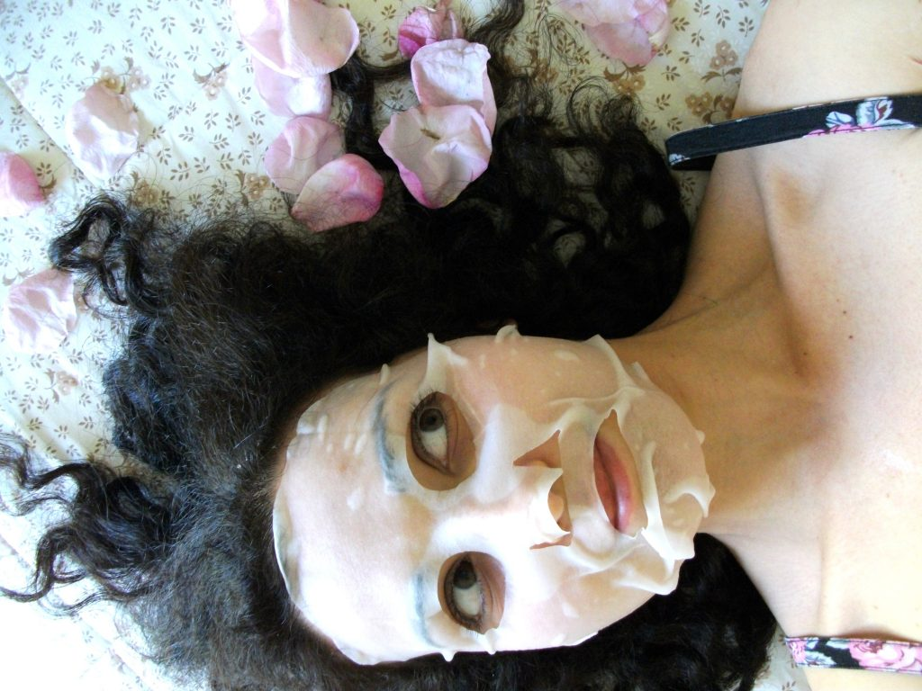 Valentina-Chirico-s-review-it's-skin-the-fresh-sheet-mask-rose-Korean-skincare-review-My-Beauty-Routine