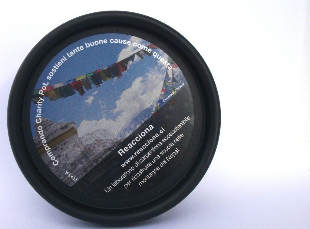 Lush Cosmetics: Charity Pot, la crema per corpo e mani idratante e solidale (review)