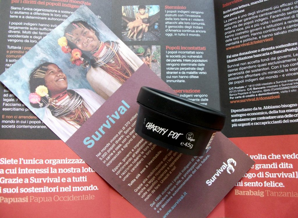 Lush Cosmetics e le Charity Pot per sostenere Survival International
