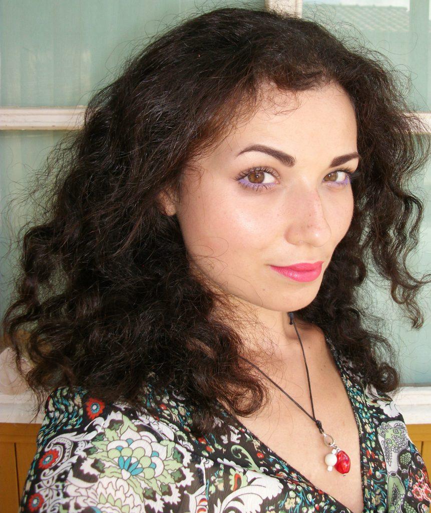 Valentina-Chirico-'s-results-with-Kérastase-Aura-Botanica-line_mini