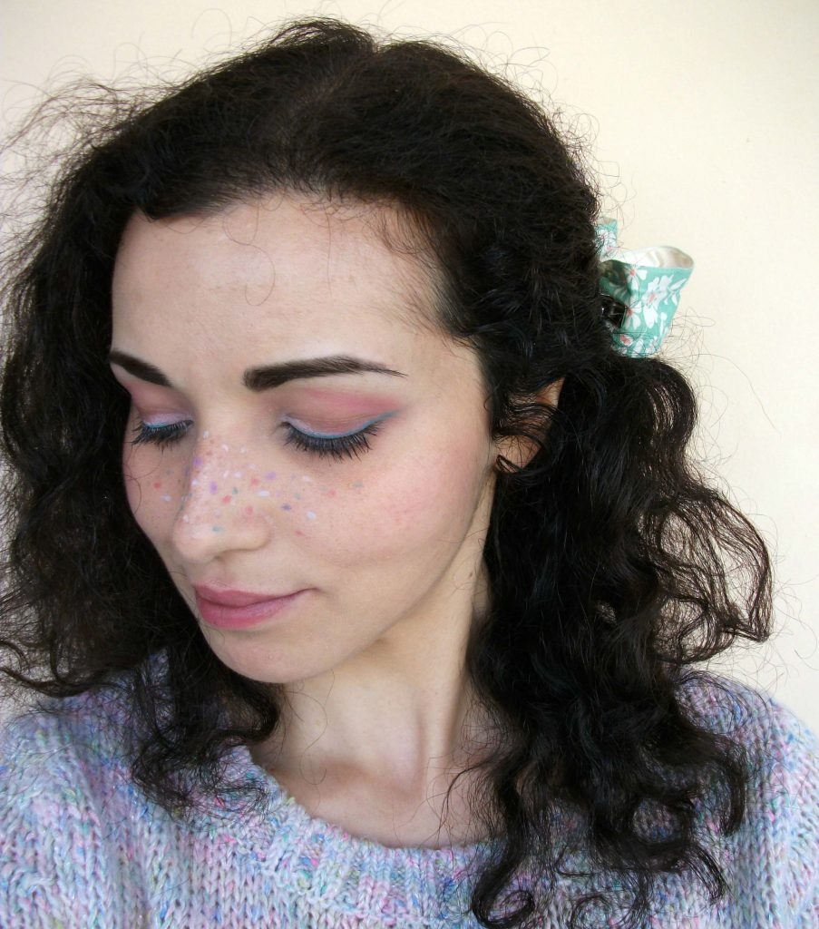 Fun-makeup-rainbow-freckles-pasteleyeliner-with-Marc-jacobs-Beauty-Highliner-Matte-Gel-Eye-Crayon-Valentina-Chirico