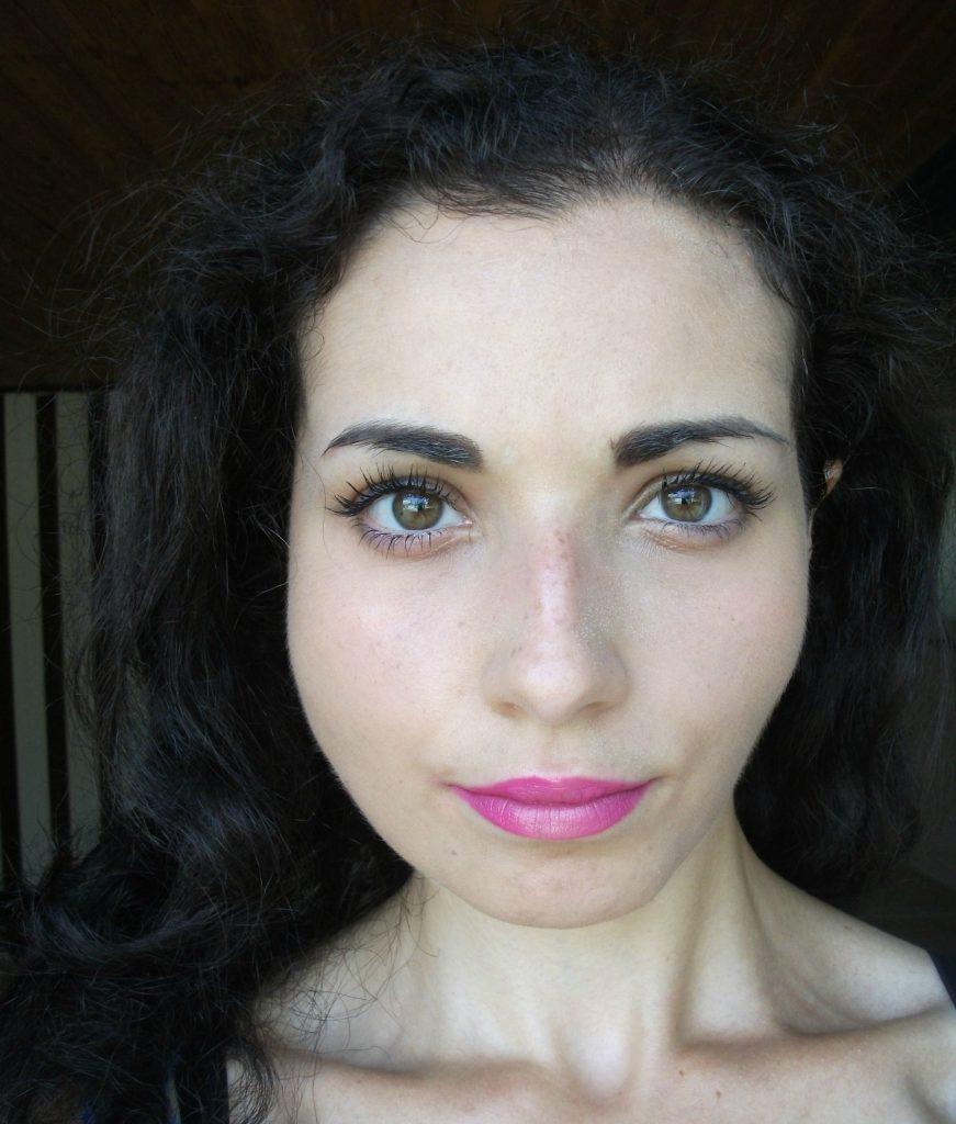 Valentina-Chirico-review-Beauty-Big-Bang-make-up-tool-metallic-mermaid-lipstick